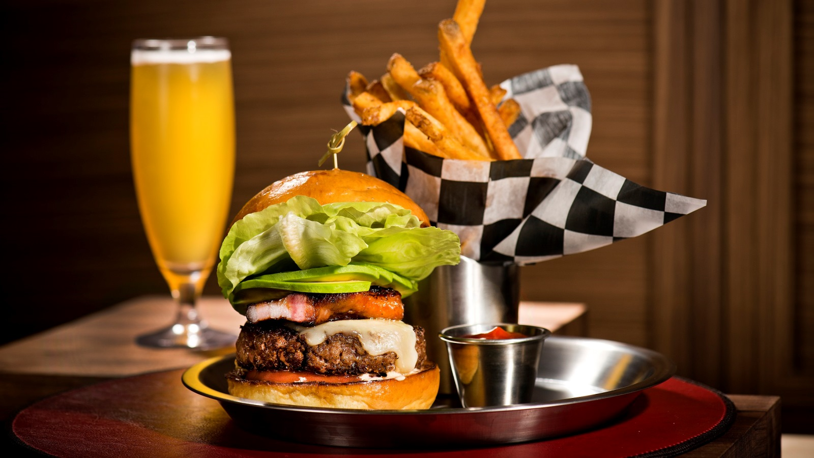 BH Burger Bar | The St. Regis Bal Harbour Resort