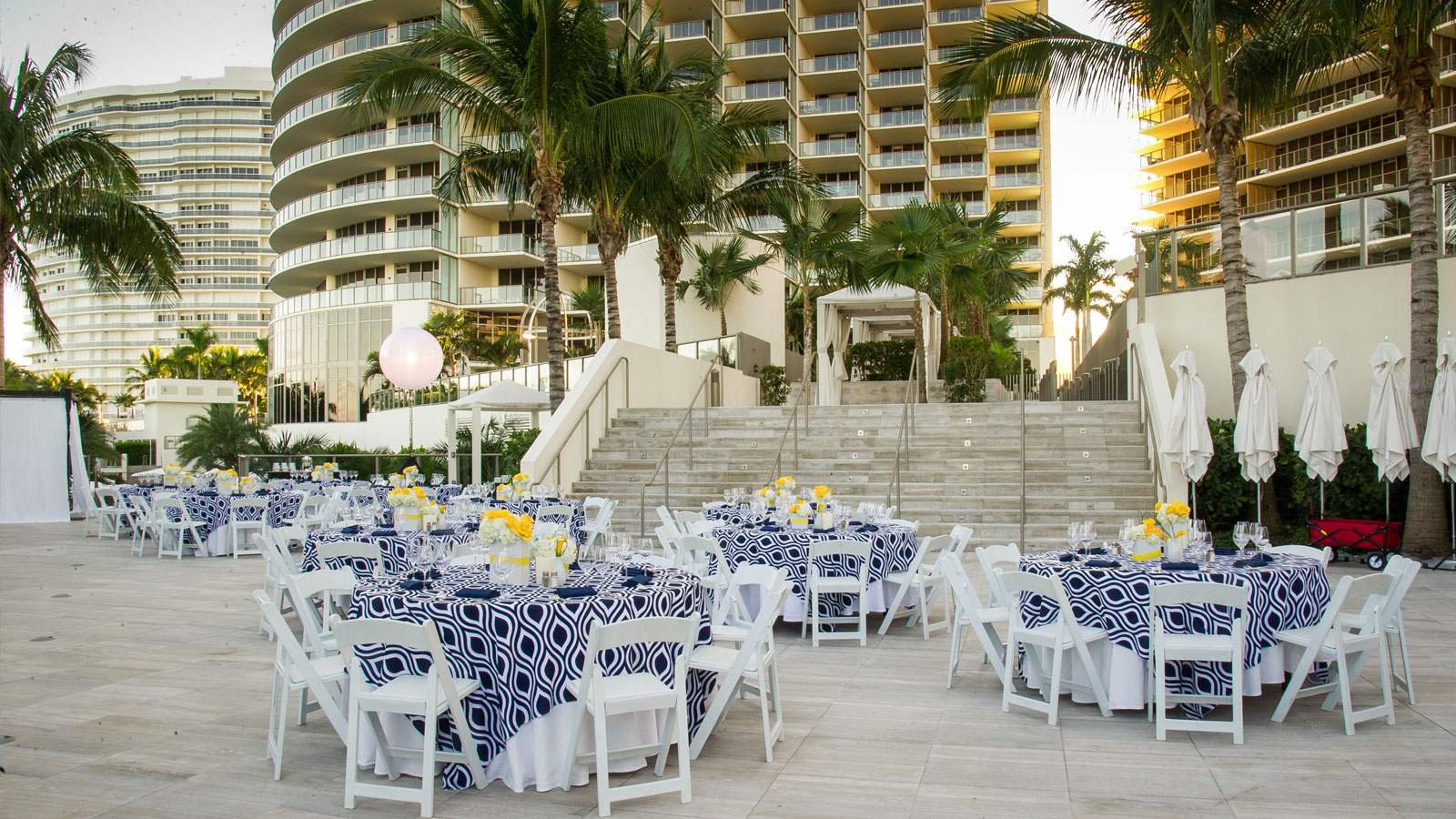 Miami outdoor meeting space